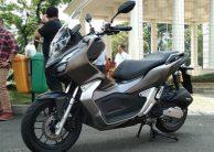 Alasan Mengapa Anda Harus Membeli Yamaha Aerox Ketimbang Honda ADV